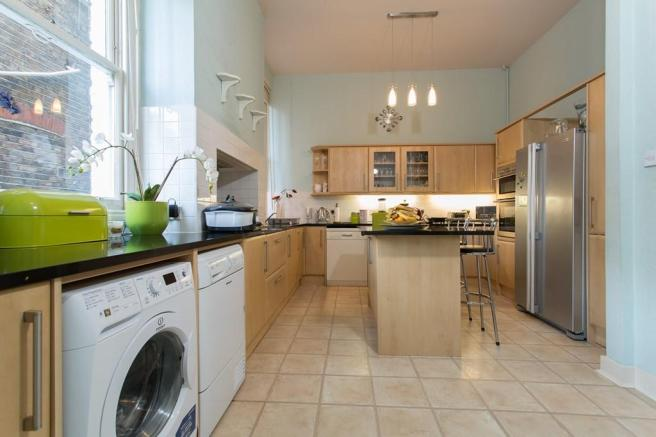 Large kitchen with plenty of work surface