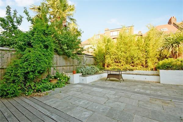 A spacious private garden